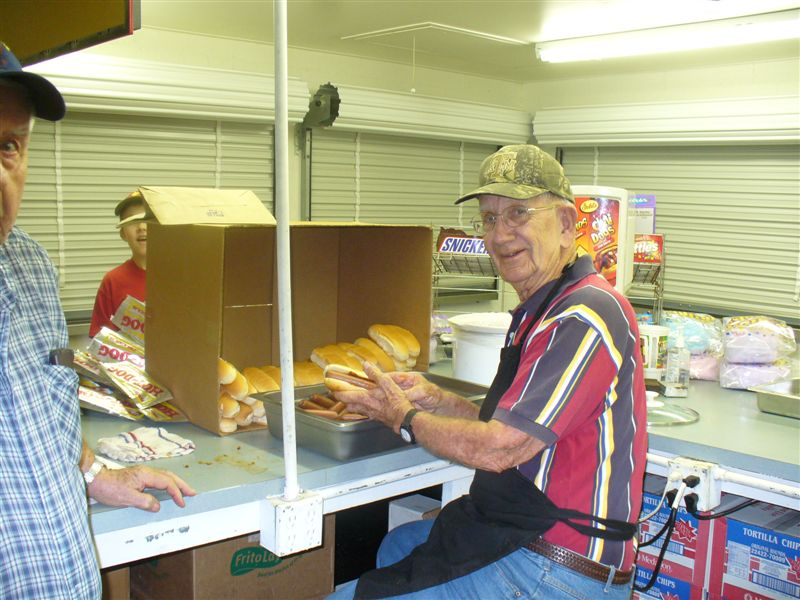 Lions-Concession-Stand-9-3-09-004.jpg