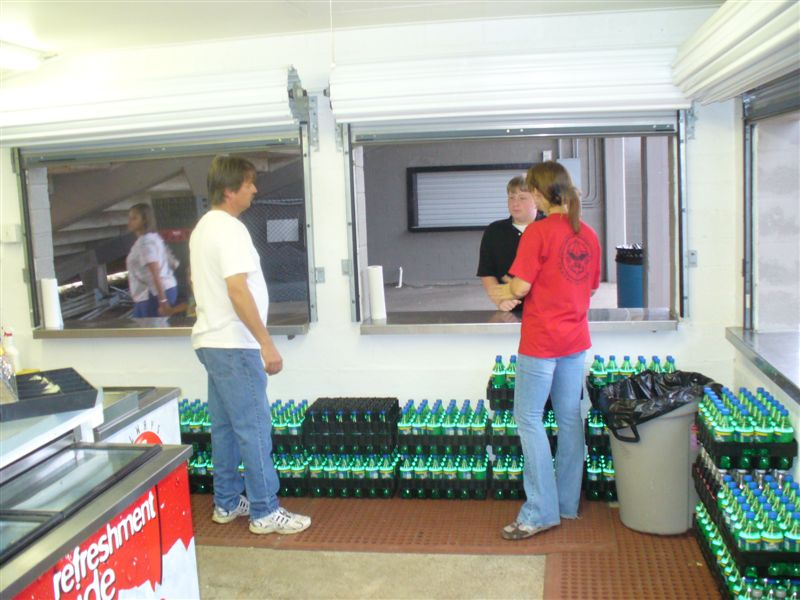Lions-Concession-Stand-9-3-09-016.jpg